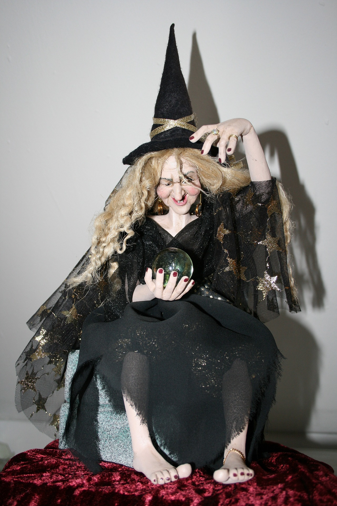 the-witch-888272_1920