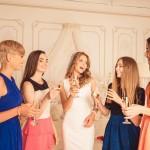 【心理テスト】今年のクリパはこれで決まり!タイプ別、女子力高めのドレステクニック!