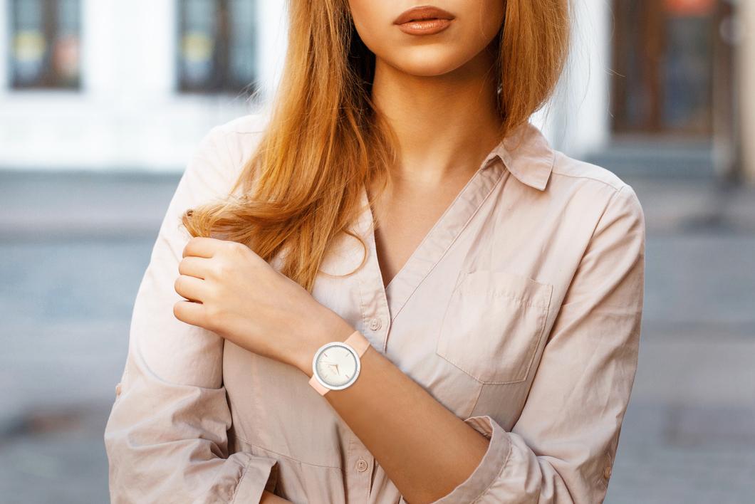 フルラの財布はローラさんも愛用しています。毎年新しいフルラ(FURLA)の財布を買うくらい大好きなんだそうです。  さらに、モデル仲間の中でもプレゼントに ...