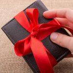 彼氏へのクリスマスプレゼント、財布を贈るならこのブランドで決まり!
