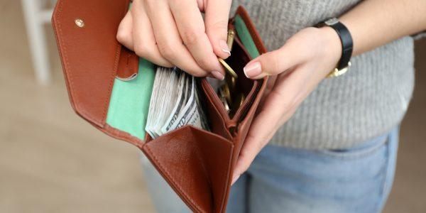 お金持ちの習慣に学ぶ!財布の中身をきれいに整理するコツ