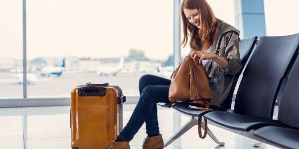 飛行機内に持ち込むバッグはどんなものが便利?荷造りのコツも!