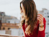女性の腕時計の付け方はどっちがいいの?手首側?手の甲側?