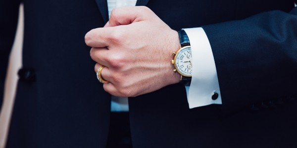 ビジネスマンがブランドの腕時計をつけるメリットとは?